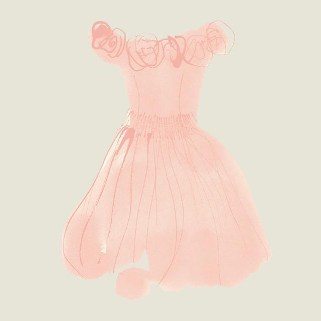 画像: タイトな身頃とふんわりスカートのカクテルドレスは、ピンクのシルクオーガンザ。『運命の逆転』('90年)の衣装だ。「これを見てジェレミー・アイアンズとトラの赤ちゃんを思い浮かべるのはきっと私だけね」