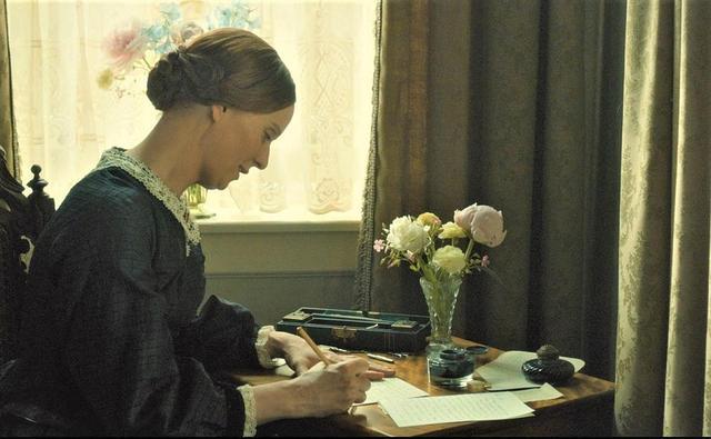 画像: 詩作はディキンスンの日常であり、唯一の救いだった