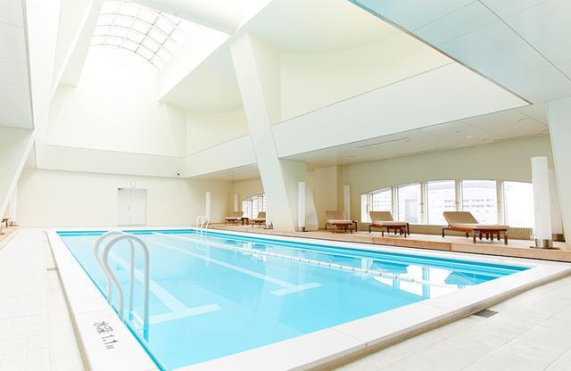 画像: 総面積1,200㎡のウェルネス施設「ジュール」の一部にあるプール。<横6m × 縦12m、水深1.1m>、水温30℃