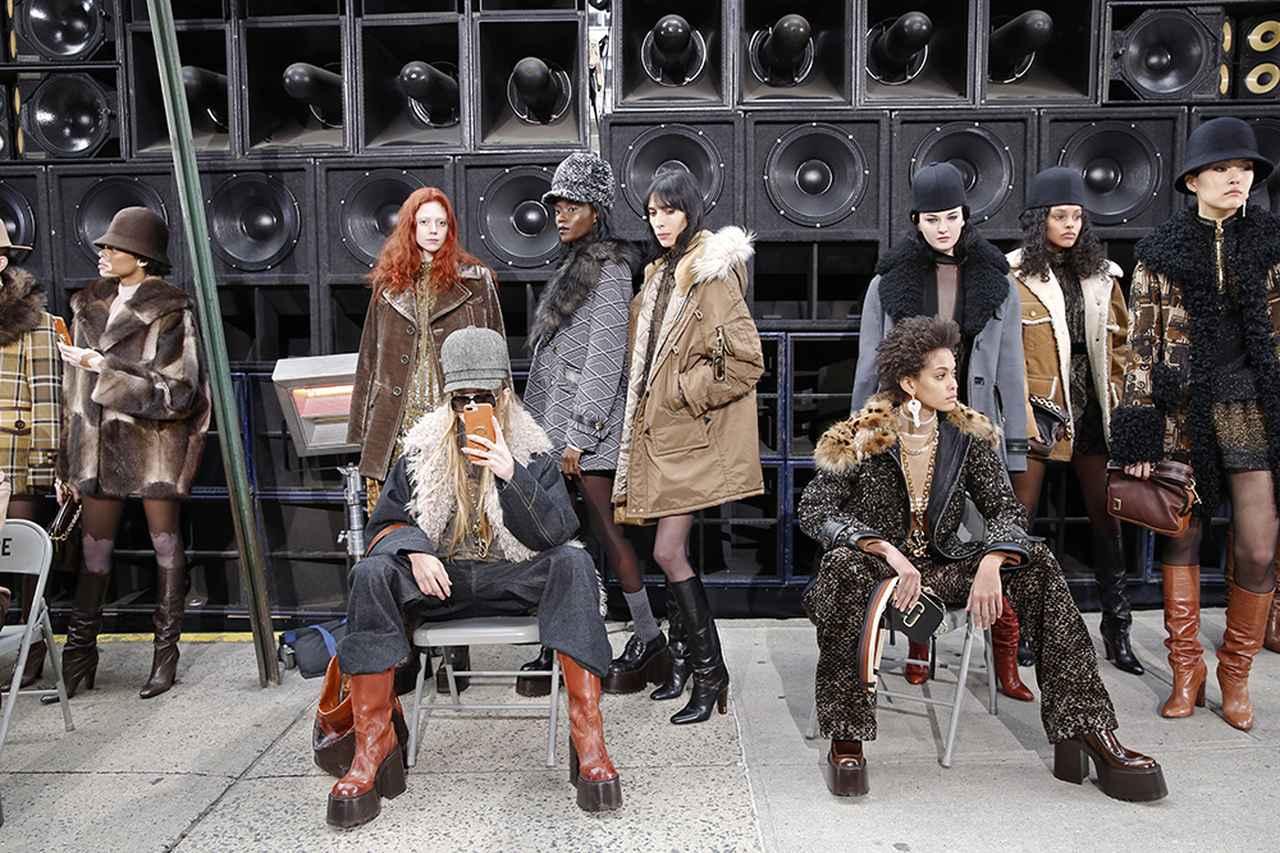 Images : 9番目の画像 - 「2017-18秋冬 ニューヨーク・ファッション・ウイークで 注目すべき10のこと」のアルバム - T JAPAN:The New York Times Style Magazine 公式サイト