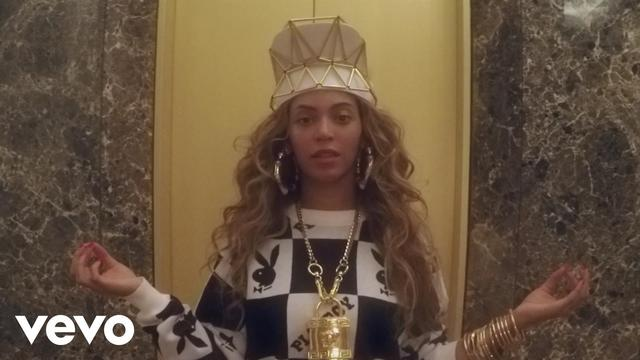 画像: 『7/11』のミュージックビデオ。この中でビヨンセがローラ・ワスによるヘッドピースを着用している