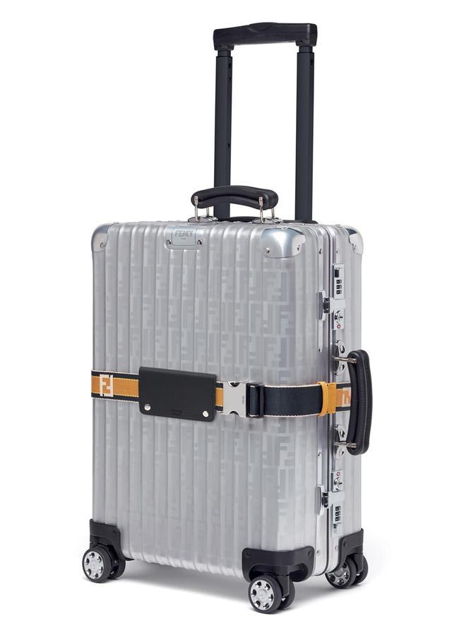画像: 機内に持ち運び可能で汎用性の高い、容量33Lサイズ。一部のフェンディとリモワの直営店、およびフェンディの公式オンラインストアにて販売中 <H55 × W40 × D20cm / 4.4kg> ¥267,840
