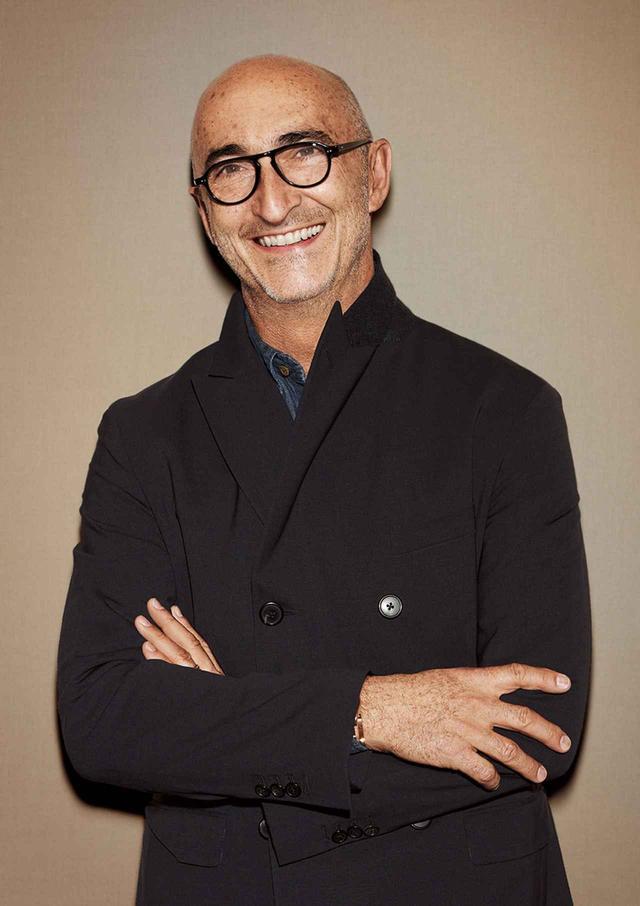 画像: Pierre Hardy(ピエール・アルディ) 1990年、エルメスのメンズおよびレディスシューズのクリエイティブ・ディレクターに就任。2001年、エルメスジュエリー部門のクリエイティブ・ディレクターに就任する PHOTOGRAPH: ©ALEXIS ARMANET