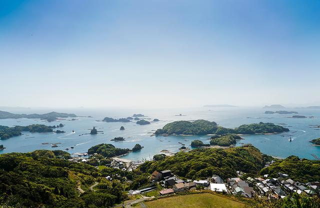 画像: 映画「ラストサムライ」のロケ地、石岳展望所より九十九島の全景をのぞむ