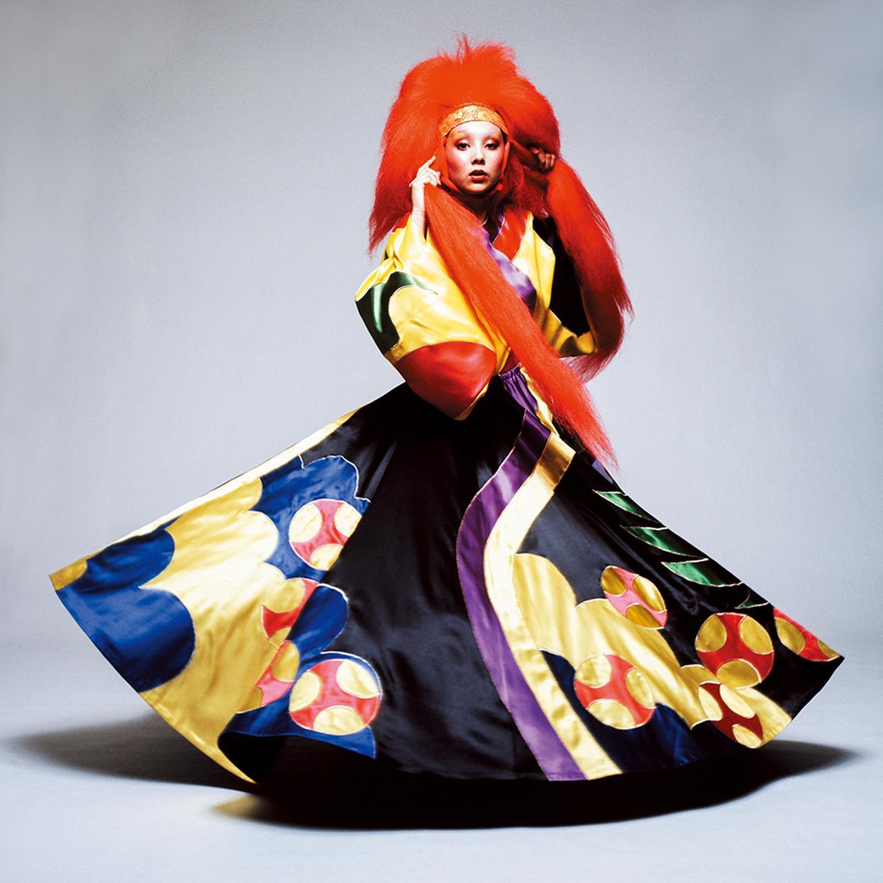 Images : 3番目の画像 - 「ファッション界随一の ファンタジスト、 山本寛斎が再ブームに<前編>」のアルバム - T JAPAN:The New York Times Style Magazine 公式サイト