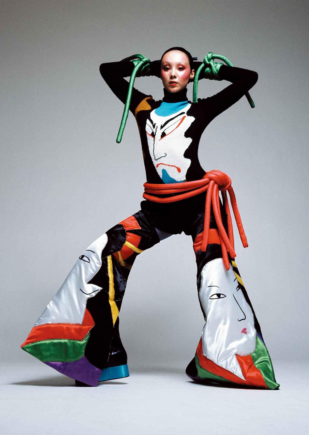 Images : 6番目の画像 - 「ファッション界随一の ファンタジスト、 山本寛斎が再ブームに<前編>」のアルバム - T JAPAN:The New York Times Style Magazine 公式サイト