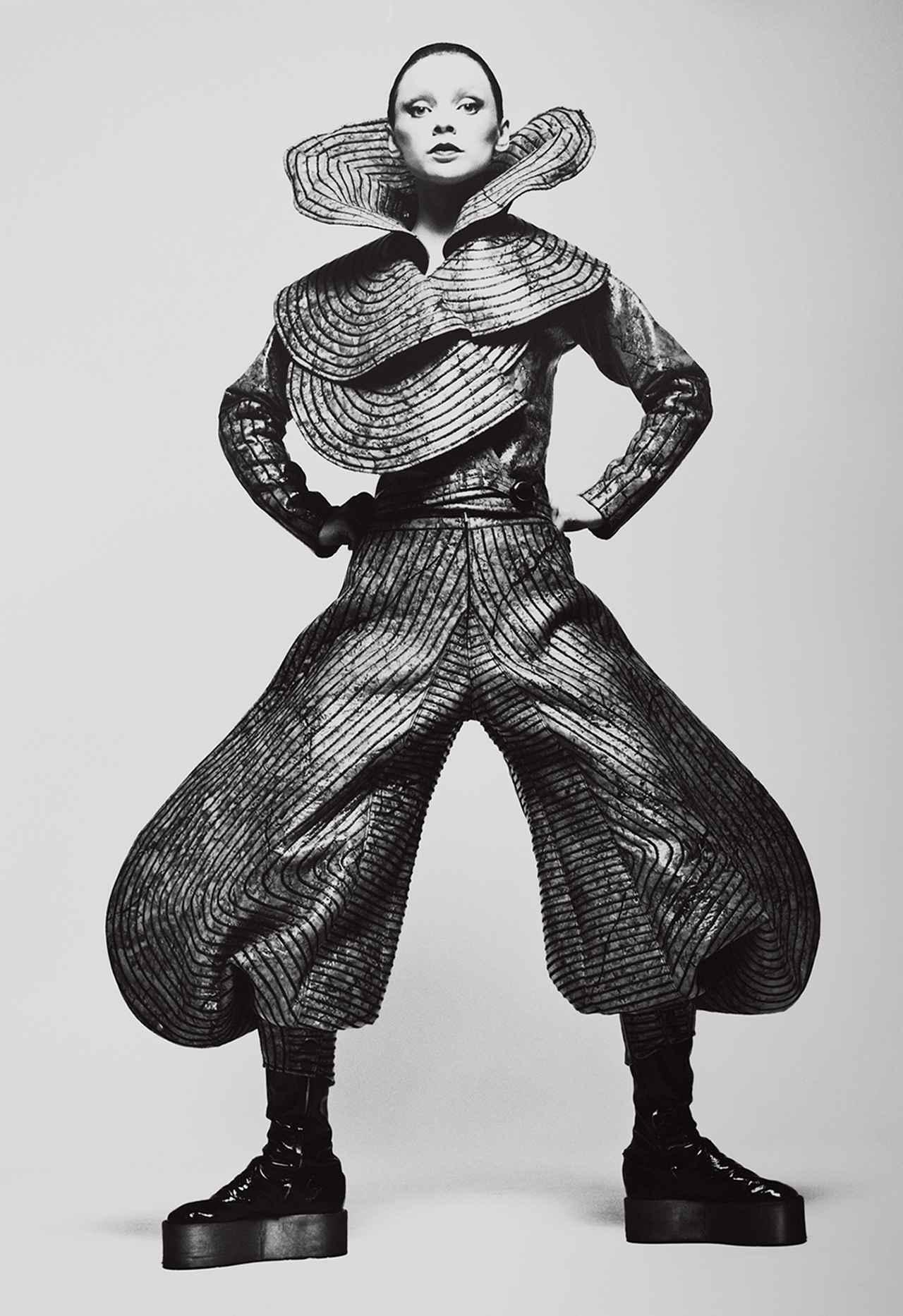 Images : 4番目の画像 - 「ファッション界随一の ファンタジスト、 山本寛斎が再ブームに<前編>」のアルバム - T JAPAN:The New York Times Style Magazine 公式サイト