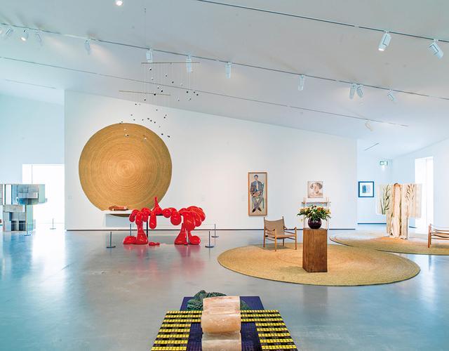 画像: アンセア・ハミルトンが 再考するケトルズ・ヤード』展(現在は終了)では、改装のために閉館中の「ケトルズ・ヤード・ハウス」から集めた、故ジム・エド氏の20世紀アート・コレクションの一部を公開