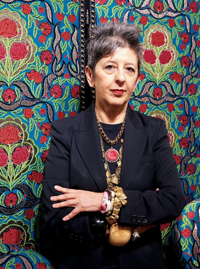 画像: イタリア屈指の知性 グッチの新施設『グッチ・ガーデン』キュレーターを務めるマリア=ルイサ・フリーサ。雑誌『Dla Repubblica』編集者であり、国立ベネチアIUAV大学ファッションデザイン&マルチメディアアート学部長でもある