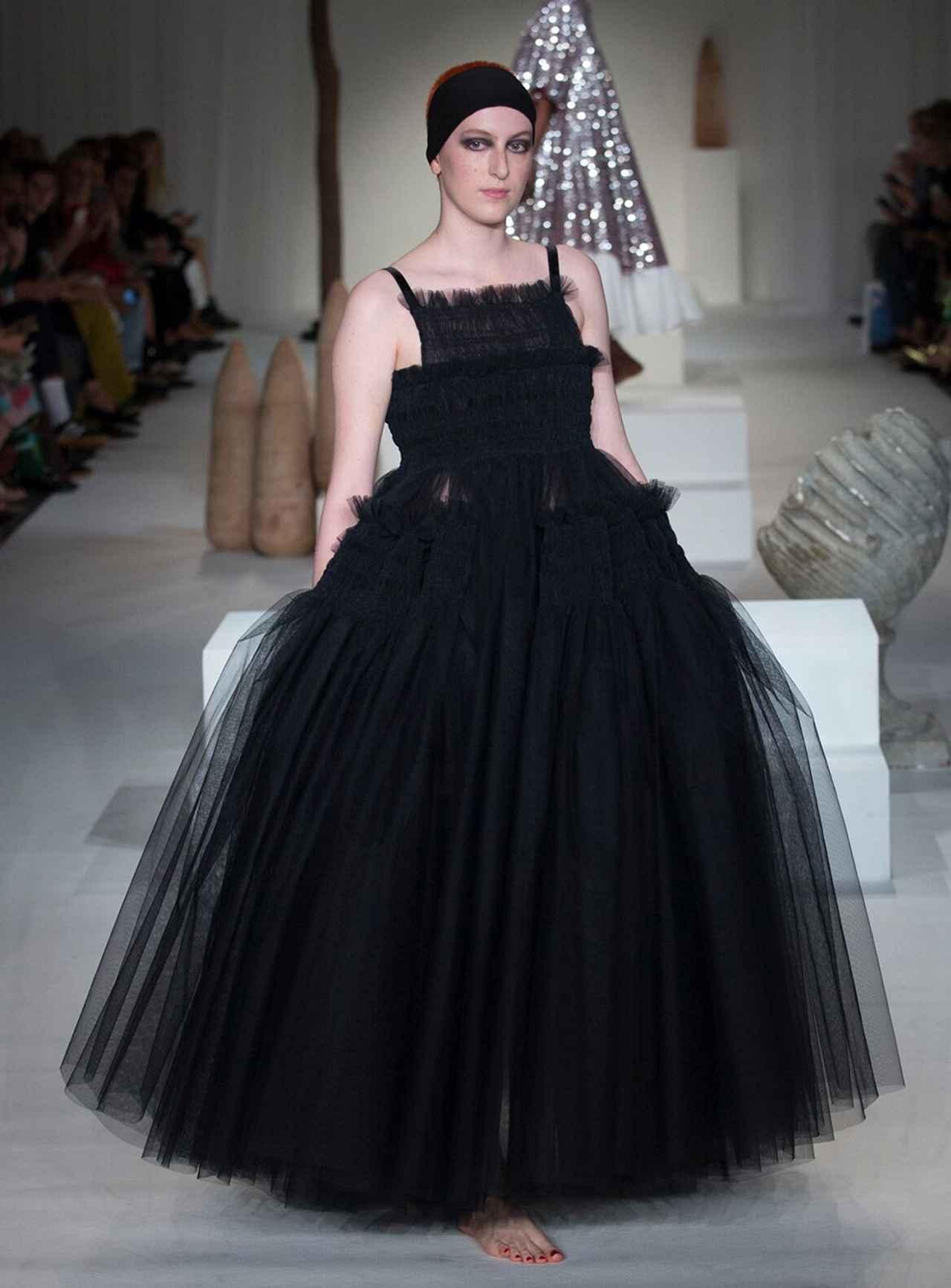 Images : 2番目の画像 - 「ドレス自由自在<Vol.2> 新しい才能が花盛り。 ニュー・ドレス時代到来」のアルバム - T JAPAN:The New York Times Style Magazine 公式サイト