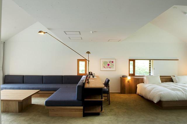 画像: NEST INN HAKONEの客室。自然と隣り合わせの静かな空間で過ごすことができる