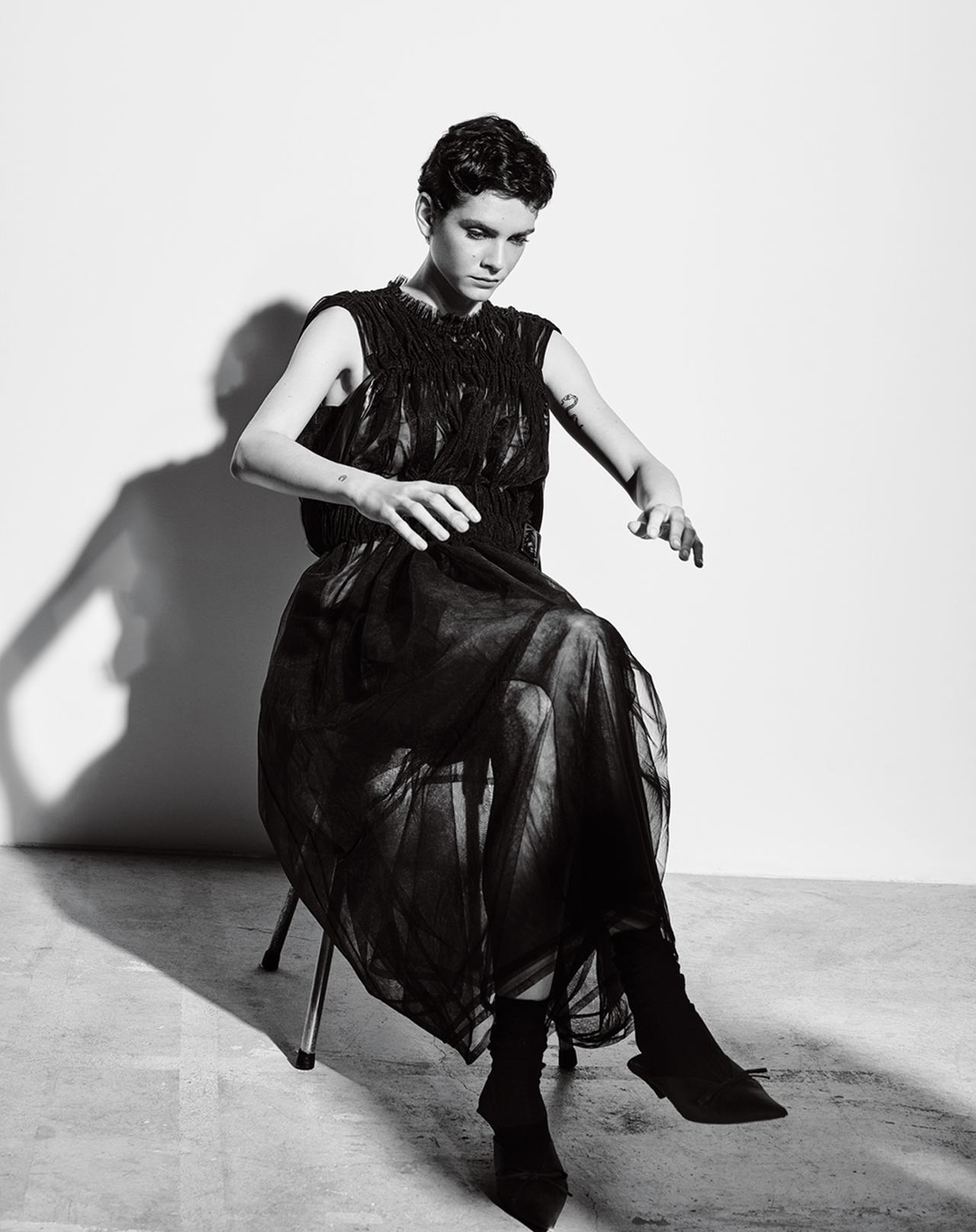 Images : 3番目の画像 - 「黒の洗練。 黒を重ね、黒を極める」のアルバム - T JAPAN:The New York Times Style Magazine 公式サイト