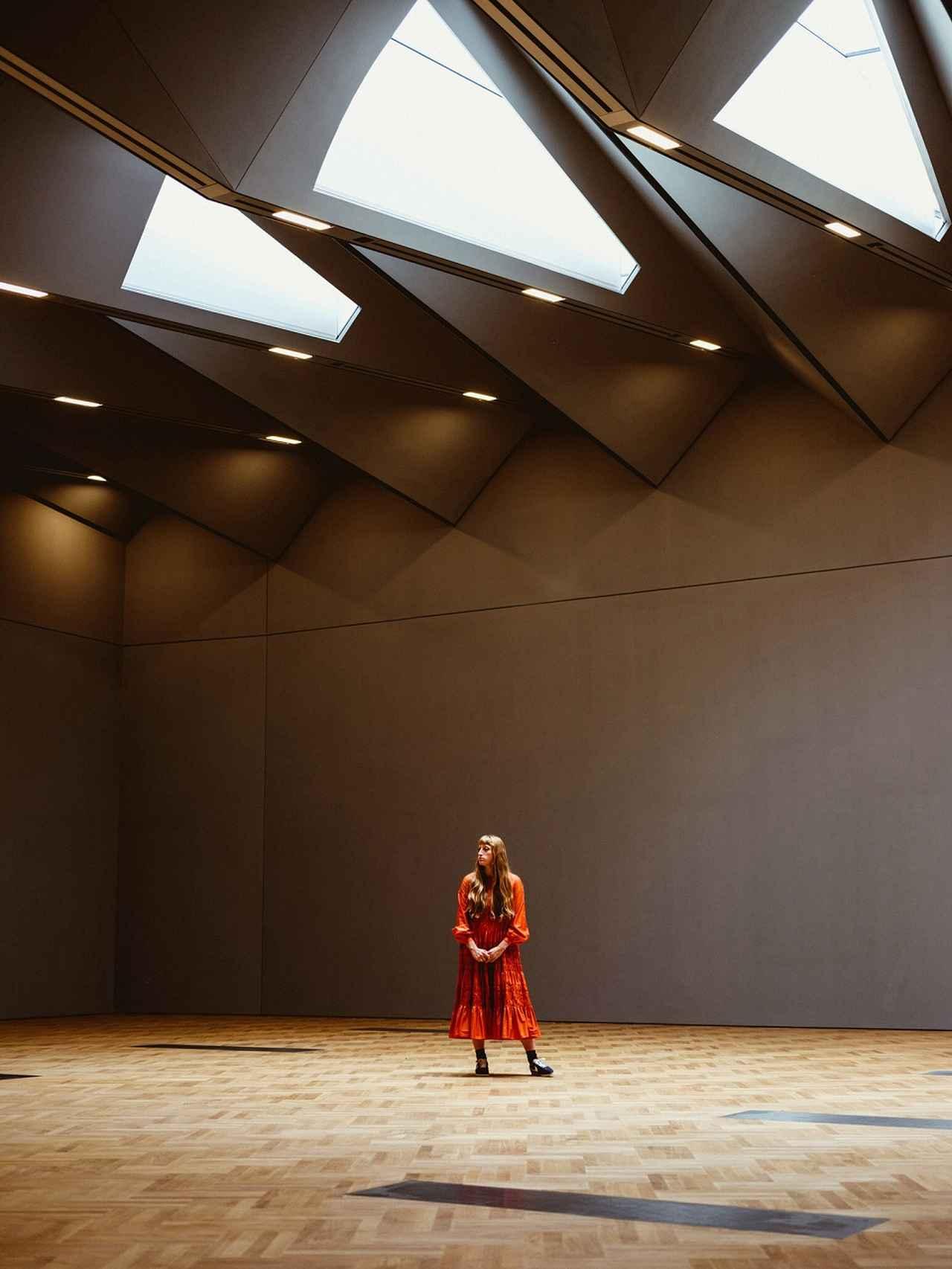 Images : 10番目の画像 - 「期待の若手デザイナー、 モリー・ゴダードの凱旋」のアルバム - T JAPAN:The New York Times Style Magazine 公式サイト