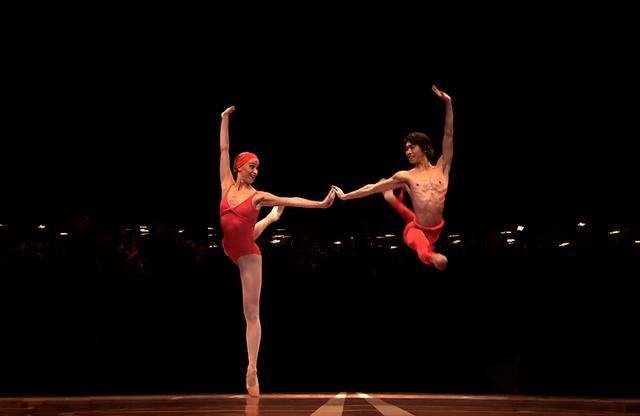 """画像3: ベートーヴェン×ベジャール。 伝説のバレエ""""第九""""の舞台裏に迫る"""