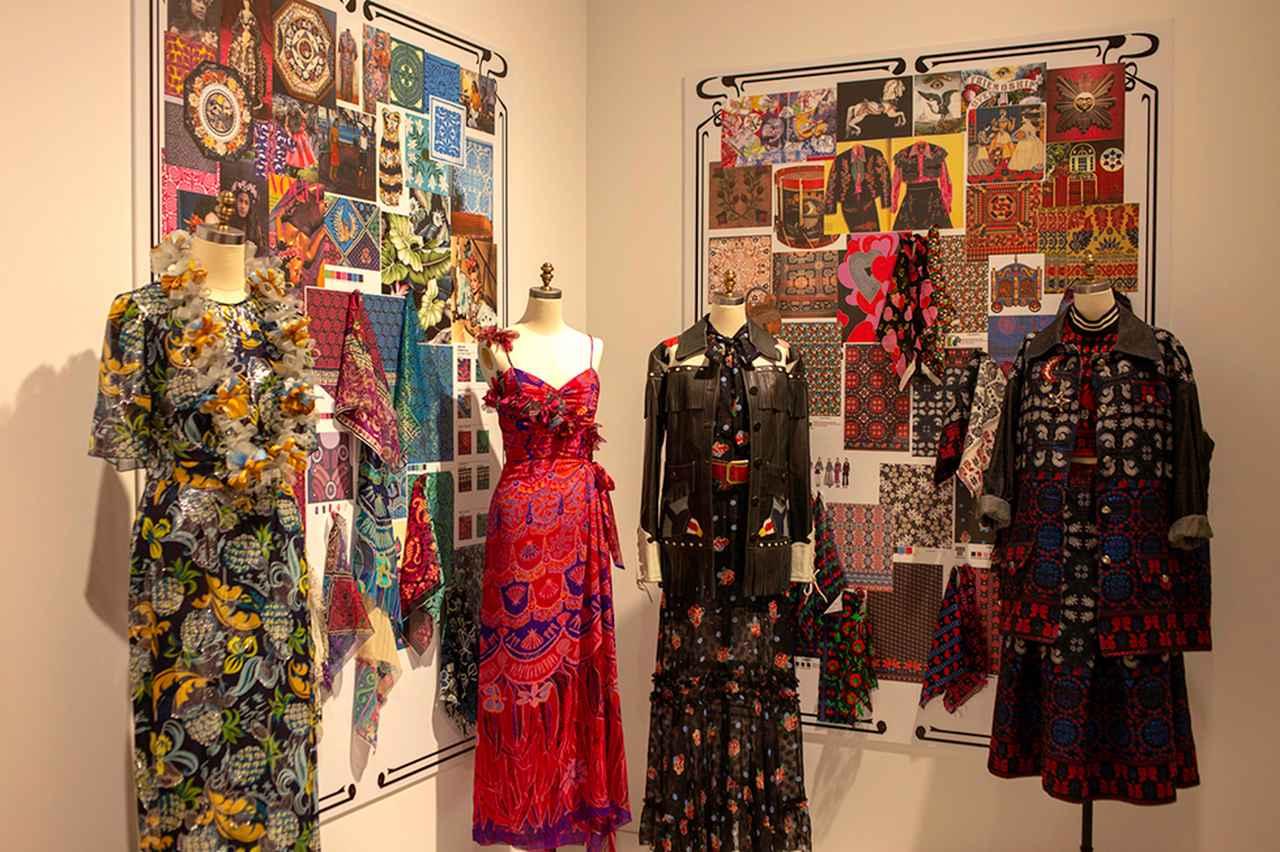 Images : 4番目の画像 - 「ファンタジーと革新が織りなす 「アナ スイ」ワールドへ」のアルバム - T JAPAN:The New York Times Style Magazine 公式サイト