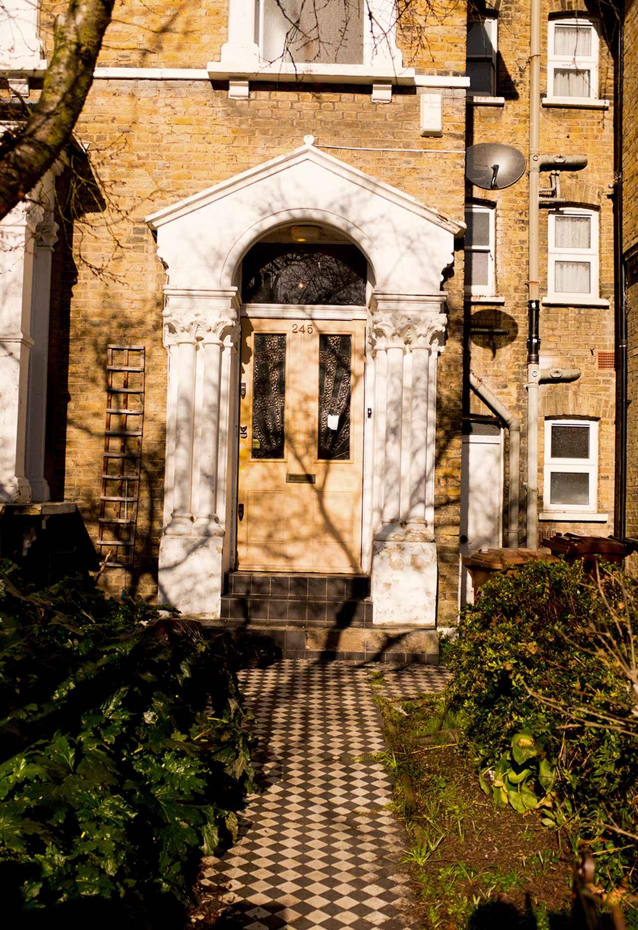 Images : アシュリー・ウィリアムズの家で|金曜日 AM11:20