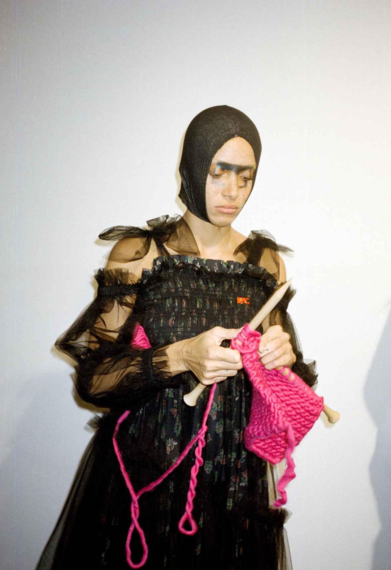 Images : 編み物はお手のもの|金曜日 PM4:55