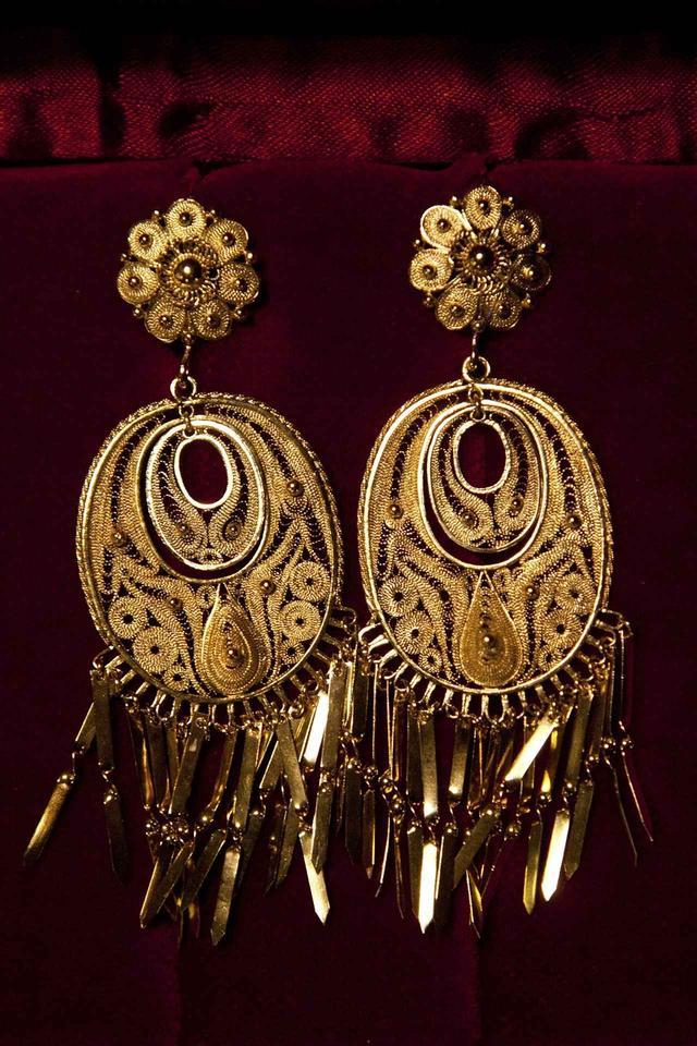 画像: 18世紀前半にカルリ家の先祖によって作られた金のイヤリング