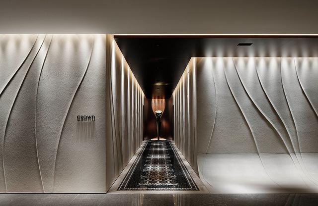 画像: 食通や旧パレスホテル時代からのファンも通う、キュイジーヌ・モダンのフレンチレストラン「クラウン」 PHOTOGRAPHS: COURTESY OF PALACE HOTEL TOKYO