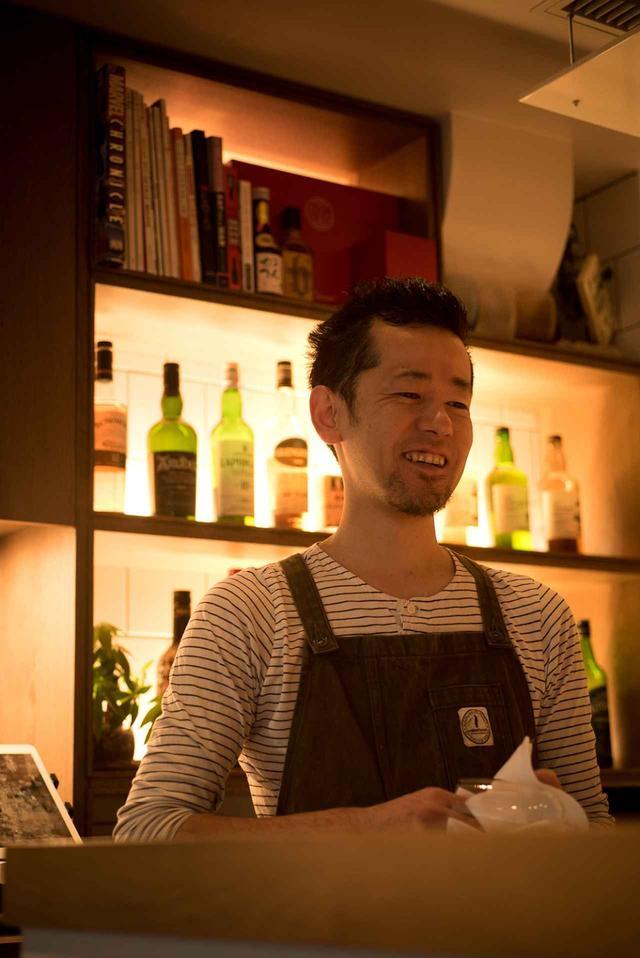 画像: 店長の川上武美さん。お店の立ち上げに際して、何度も中国を訪れて勉強。いままでにない店を作ろうと、このスタイルを考えた