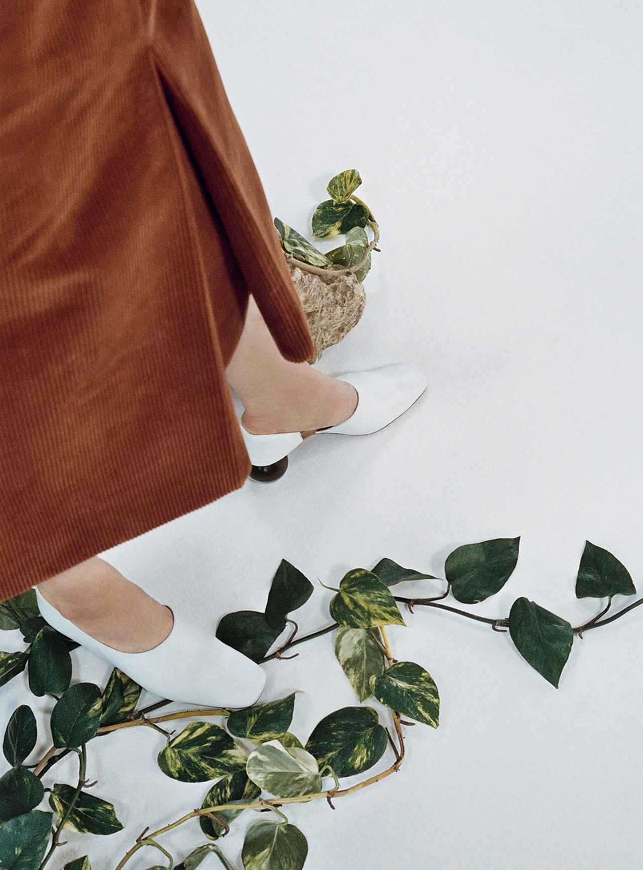 Images : 6番目の画像 - 「蘭をイメージした ミニマルなシューズブランド 「ネオアス」」のアルバム - T JAPAN:The New York Times Style Magazine 公式サイト