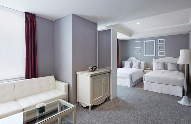 画像: フォトグラファーズ コーナー ツイン。フォトグラファーをイメージしてデザインされた客室