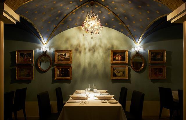 画像: 自然派イタリアン「CANOVIANO」。店内66席、テラス席24席。邸宅のような造りはウエディングにも大人気