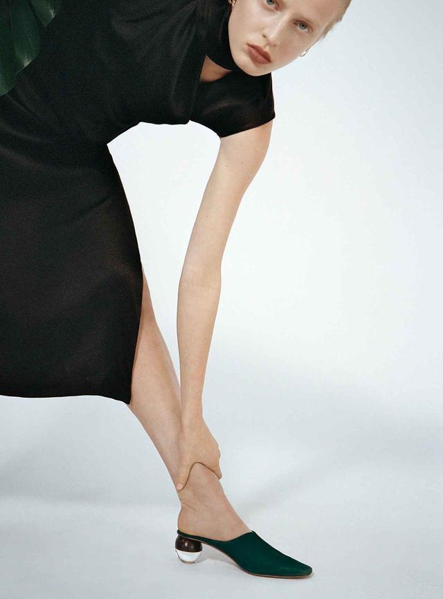 画像2: 蘭をイメージした ミニマルなシューズブランド 「ネオアス」