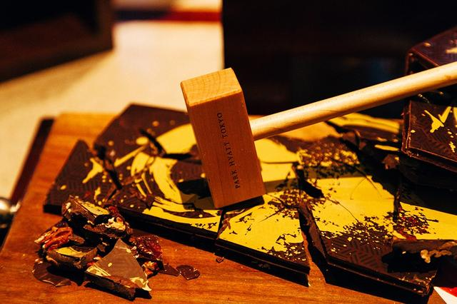 画像: 「マスターズ オブ アーツ チョコレート エアロソン-レックス メストロヴィック」 © PARK HOTEL TOKYO