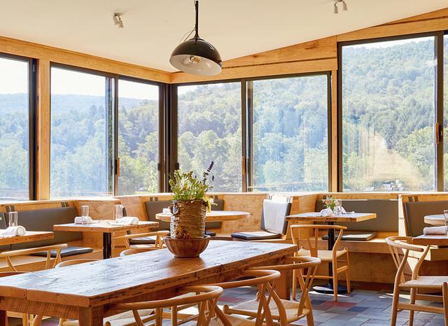 画像: リビングストン・マナーにオープンした、食にこだわりのあるホテル「ザ・デブルース」のダイニングルーム