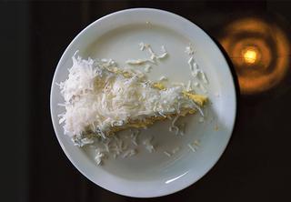 「クラ・ビストロ」のココナッツケーキ
