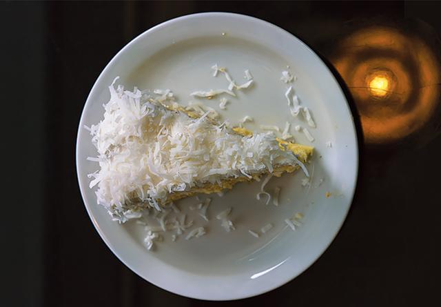 画像: 「クラ・ビストロ」のココナッツケーキ