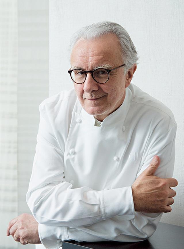 画像: アラン・デュカス パリ、モナコ、ロンドンでミシュランガイドブック三ツ星を獲得。フランス料理の世界への発信や伝統継承のための「コレージュ・キュリネール・ド・フランス」 代表。料理学校、ADF(アラン・デュカス・フォルマシオン)を設立。著書も多数 PORTRAIT BY YASUYUKI TAKAGI