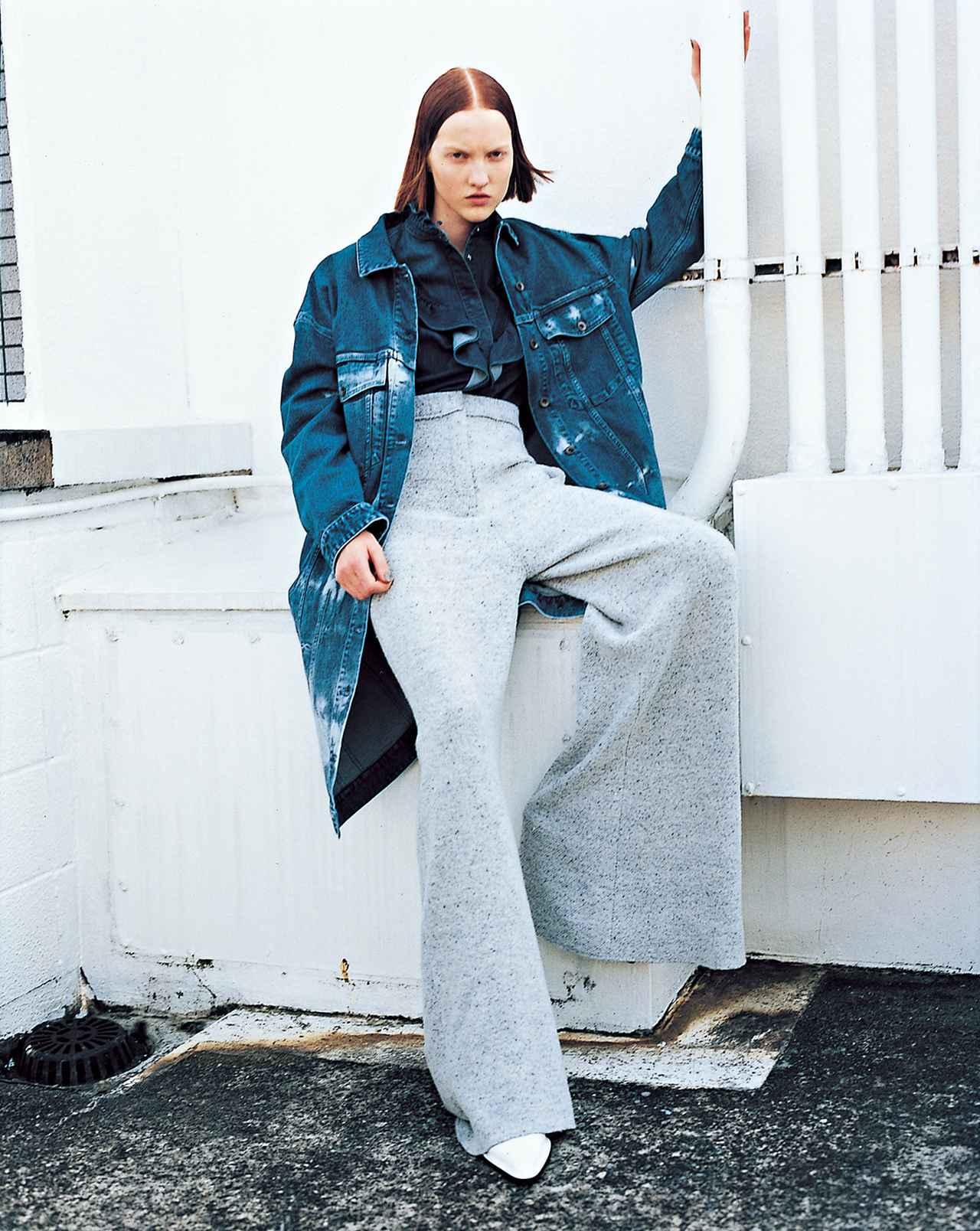 """Images : 3番目の画像 - 「この秋、ラグジュアリー・メゾンから """"ユニフォーム・クチュール""""が続々リリース!」のアルバム - T JAPAN:The New York Times Style Magazine 公式サイト"""