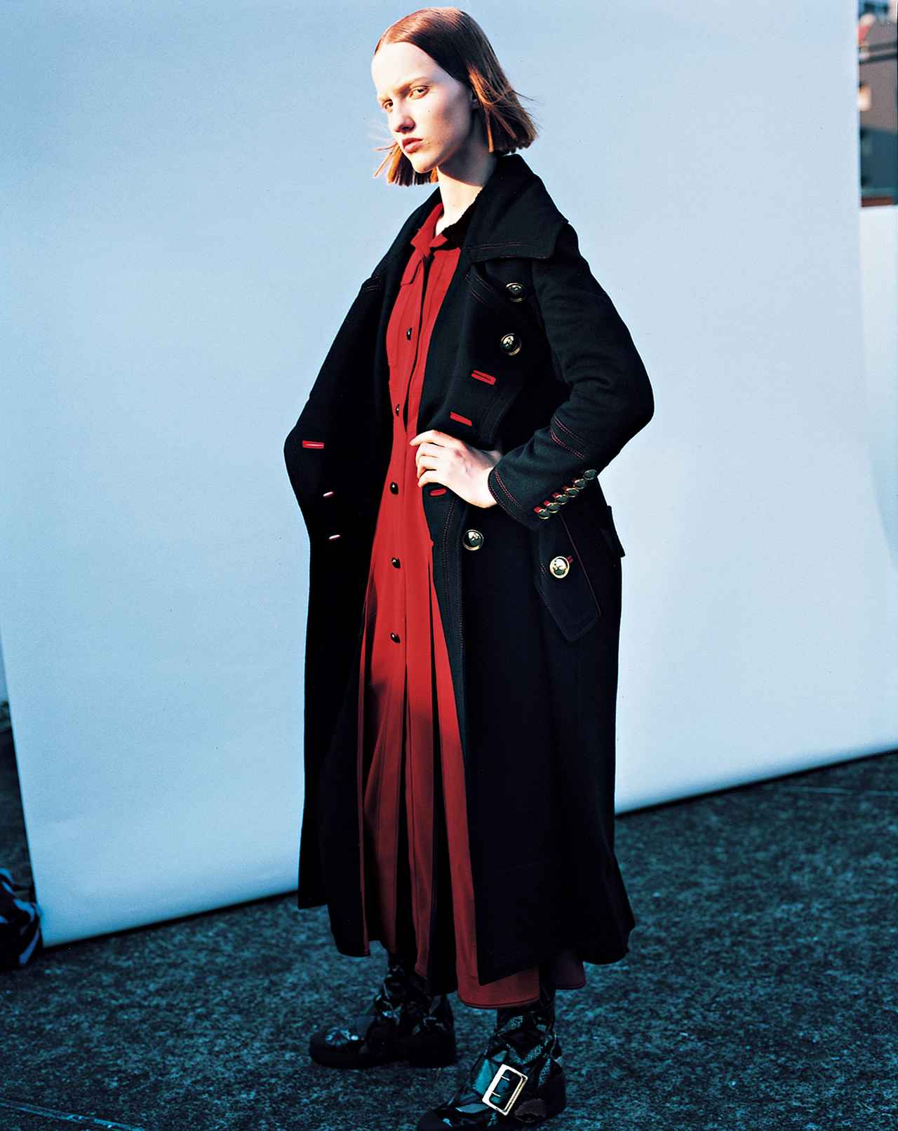 """Images : 5番目の画像 - 「この秋、ラグジュアリー・メゾンから """"ユニフォーム・クチュール""""が続々リリース!」のアルバム - T JAPAN:The New York Times Style Magazine 公式サイト"""