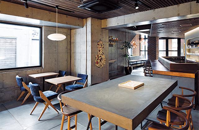 画像: 1階のカフェ&バー