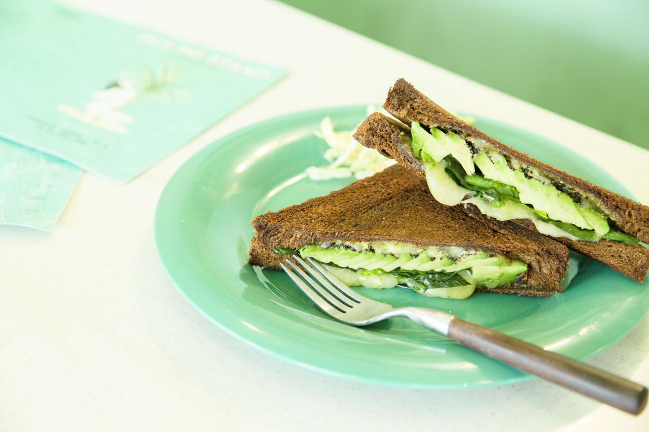 Images : 2番目の画像 - 「絶品サンドイッチ体験のできる店 「BUY ME STAND」」のアルバム - T JAPAN:The New York Times Style Magazine 公式サイト