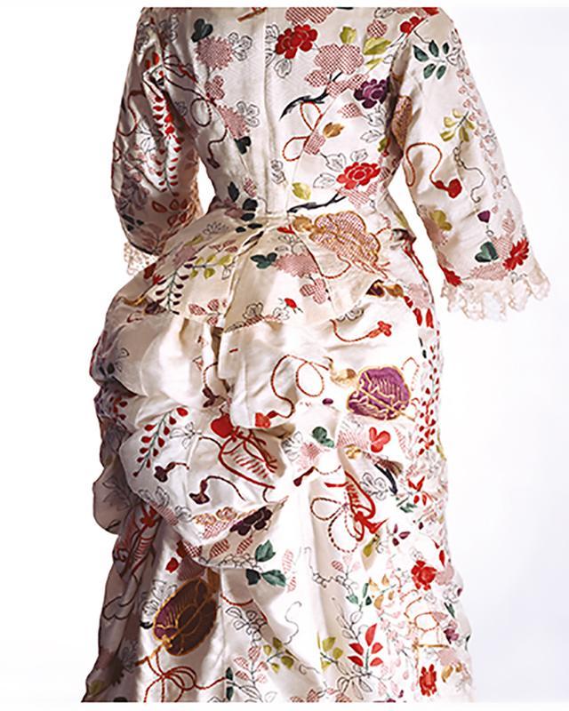 画像: ターナー「ドレス」1870年代 KCI蔵 リチャード・ホートン撮影 PHOTOGRAPH BY RICHARD HAUGHTON