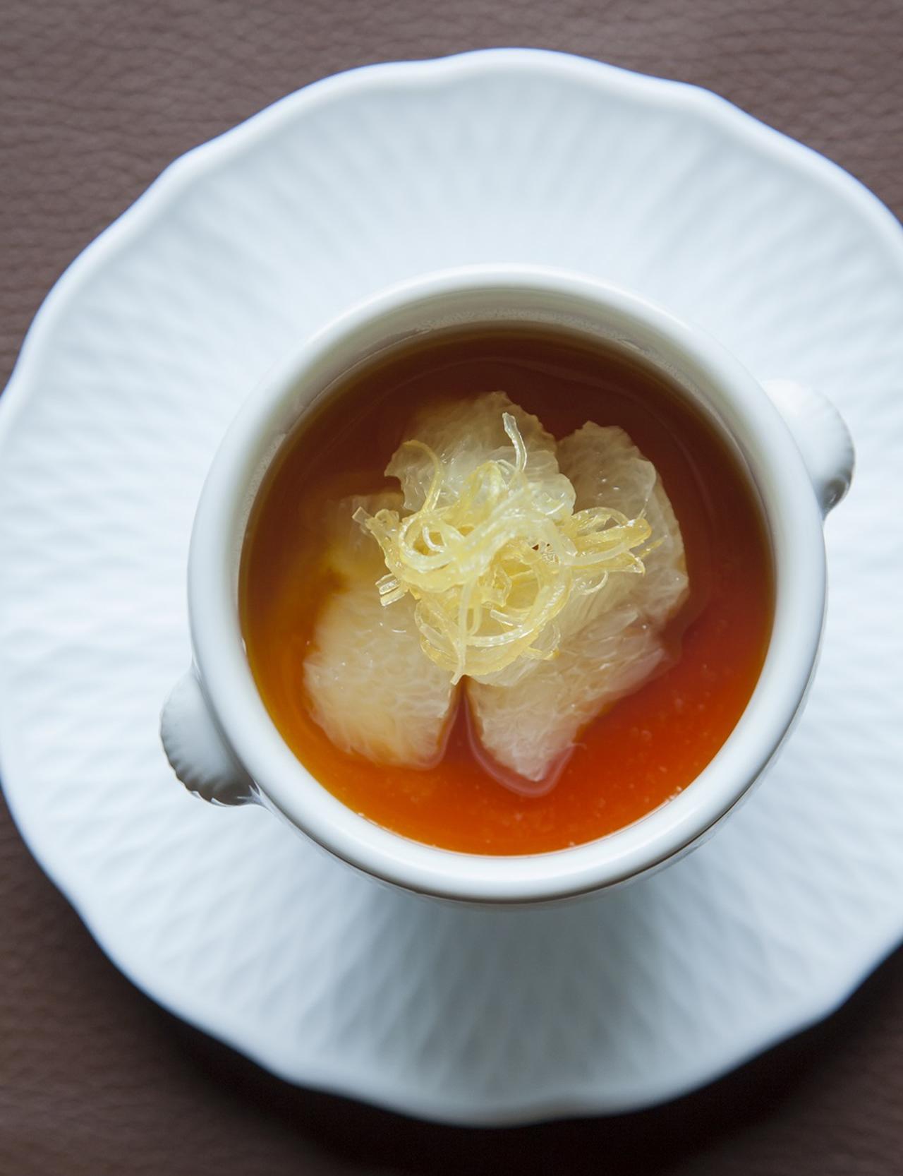 Images : 5番目の画像 - 「Vol.8 この店の、このひと皿。 「ル・ゴロワ フラノ」の 旬菜 ル・ゴロワ風サラダ」のアルバム - T JAPAN:The New York Times Style Magazine 公式サイト