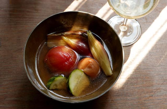 画像2: 平野由希子の 日本ワインと料理の幸福な食卓 「デラキング 2017年」と 「夏野菜の梅煮びたし」