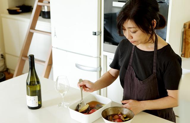 画像1: 平野由希子の 日本ワインと料理の幸福な食卓 「デラキング 2017年」と 「夏野菜の梅煮びたし」