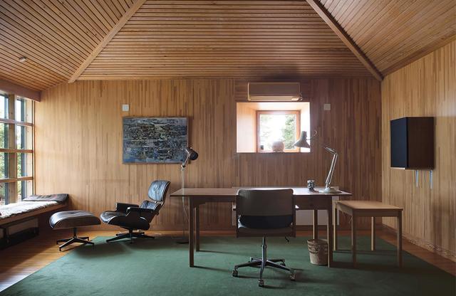 画像: 映画監督イングマール・ベルイマンの書斎。ゴットランド島の北側に位置するファロ島にあり、アーティストやライターたちの静養所の一部として保存されている