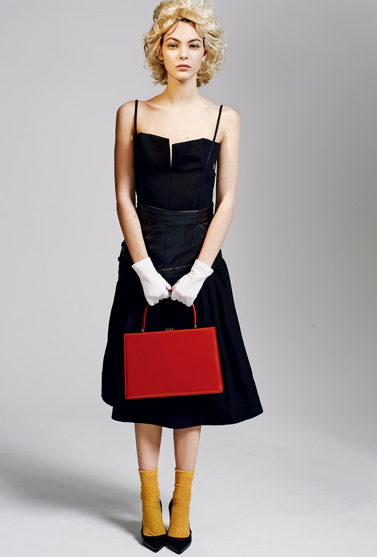 Images : 2番目の画像 - 「リトルホームドレスは 見かけほど甘くない」のアルバム - T JAPAN:The New York Times Style Magazine 公式サイト