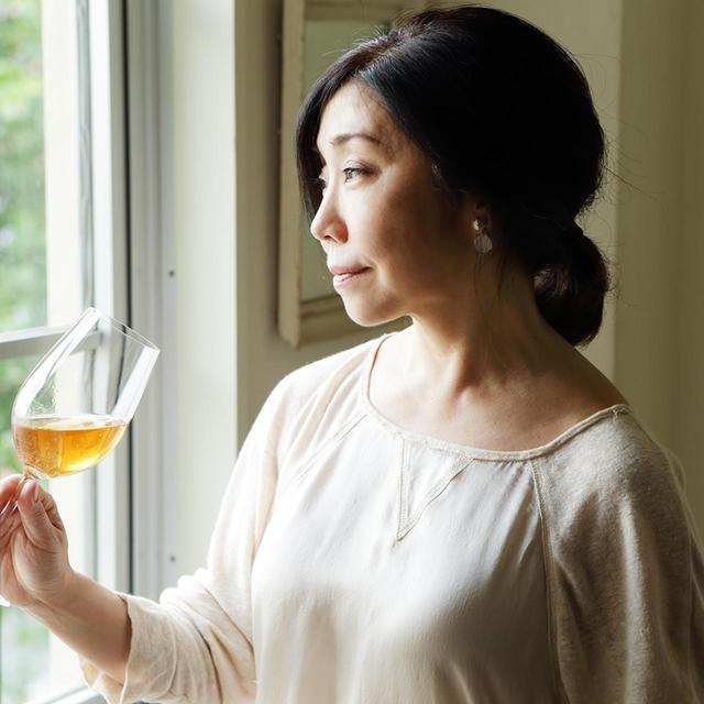画像: 平野 由希子(YUKIKO HIRANO) 料理研究家。素材を生かしたシンプルでおいしい料理に定評がある。書籍や雑誌、広告で活躍するかたわら飲食店のプロデュースや商品開発も手がける。ワイン好きとして知られ、ワインバー「8huit.」のオーナーでもある www.yukikohirano.com