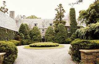 凜とした美しさが漂うローレン邸