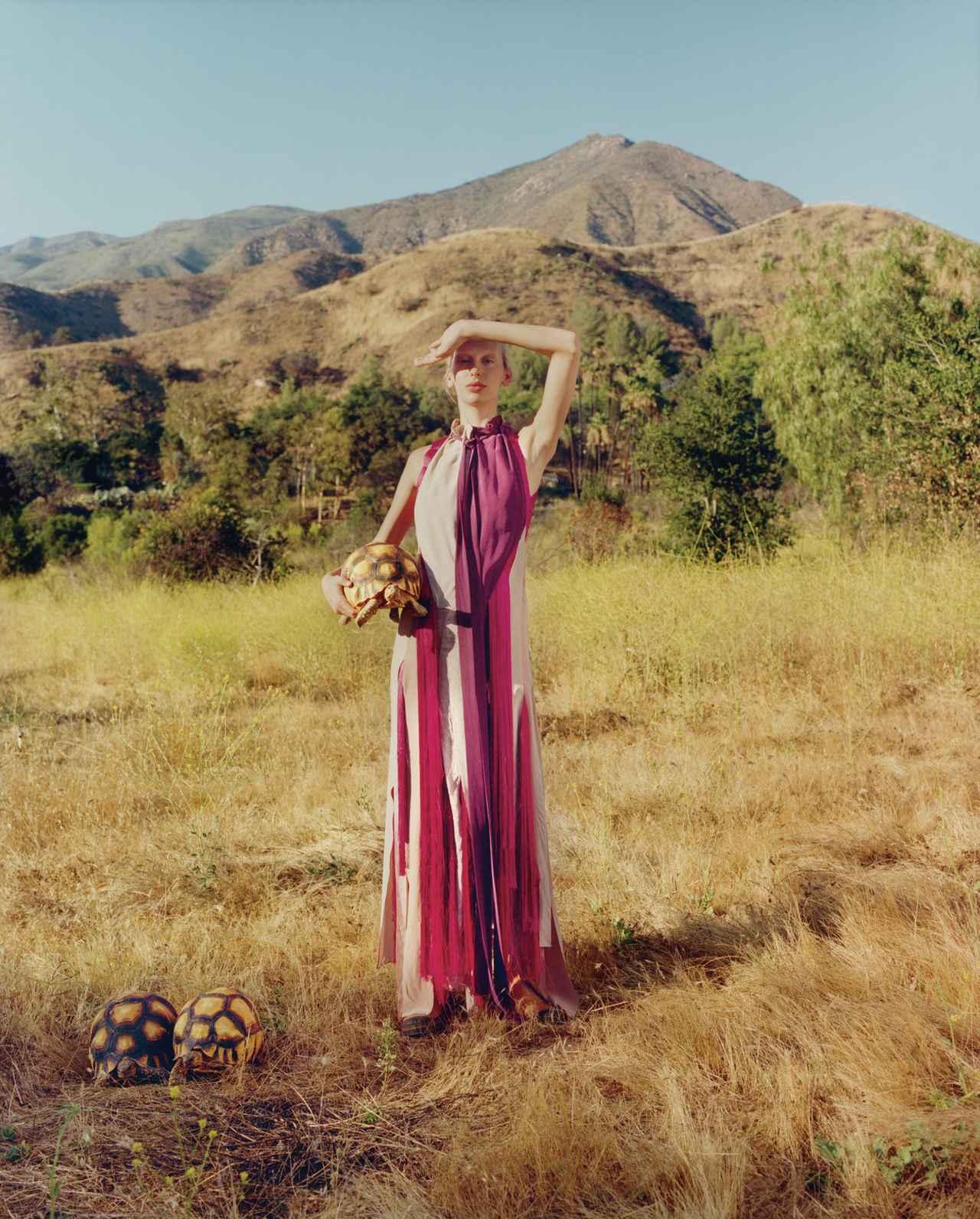 Images : 3番目の画像 - 「あるがまま、自由気ままに。 ―― ドレスとカメと私」のアルバム - T JAPAN:The New York Times Style Magazine 公式サイト