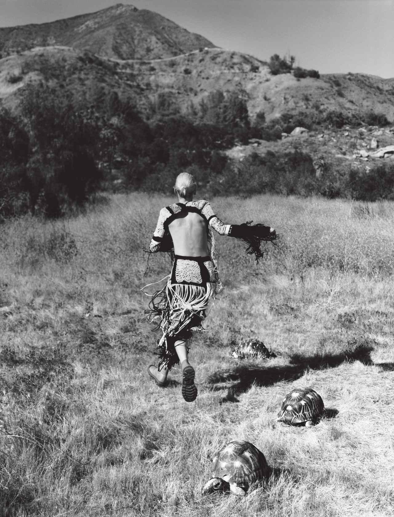 Images : 4番目の画像 - 「あるがまま、自由気ままに。 ―― ドレスとカメと私」のアルバム - T JAPAN:The New York Times Style Magazine 公式サイト