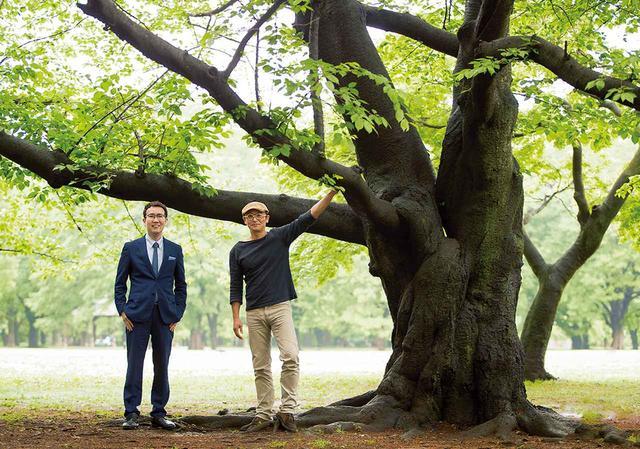 画像: 生物学者の福岡伸一氏(左)と画家・絵本作家の舘野 鴻氏(右) ほかの写真をみる