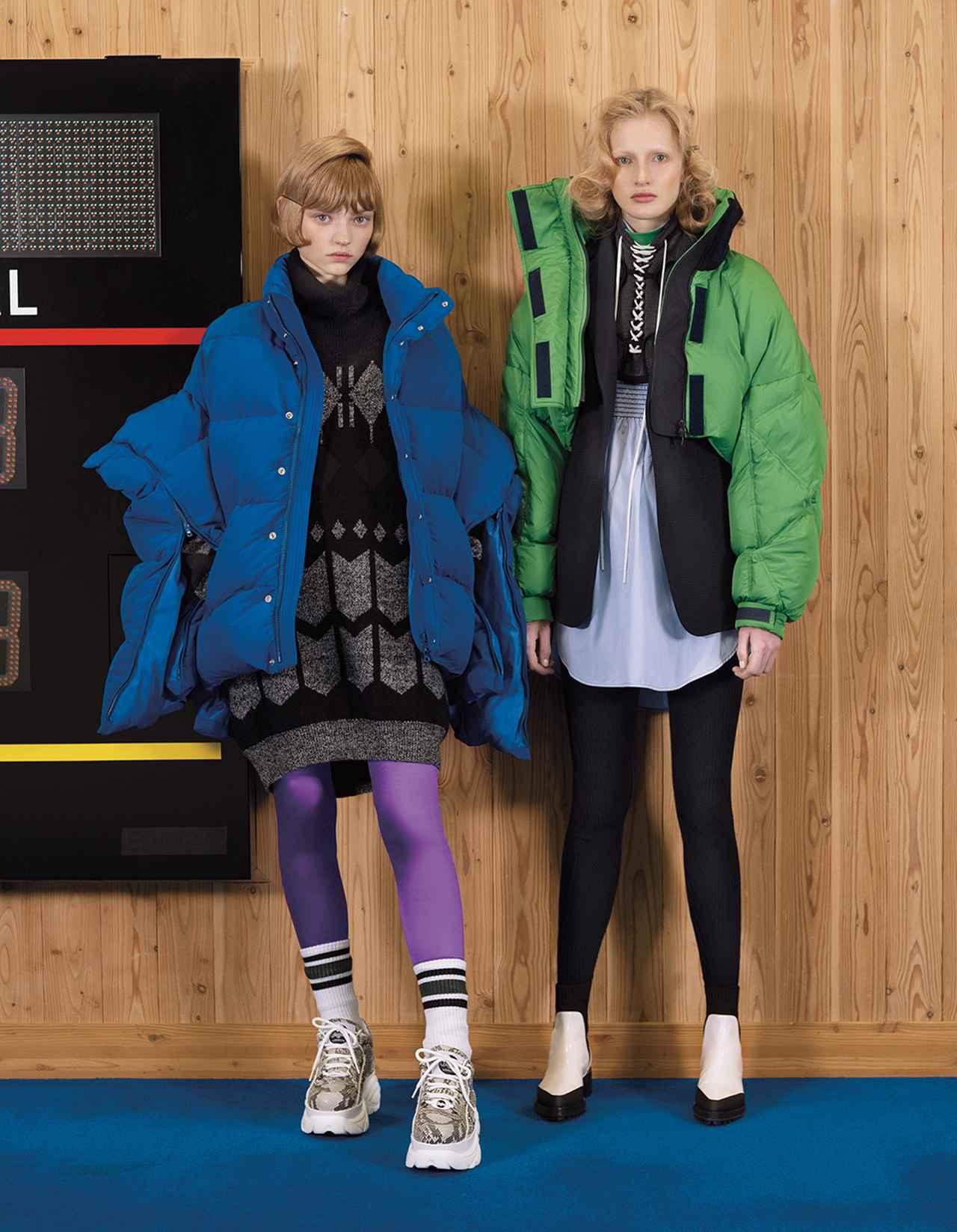 Images : 2番目の画像 - 「もこもこのアウターが、 プレイフルな季節を連れてくる!」のアルバム - T JAPAN:The New York Times Style Magazine 公式サイト