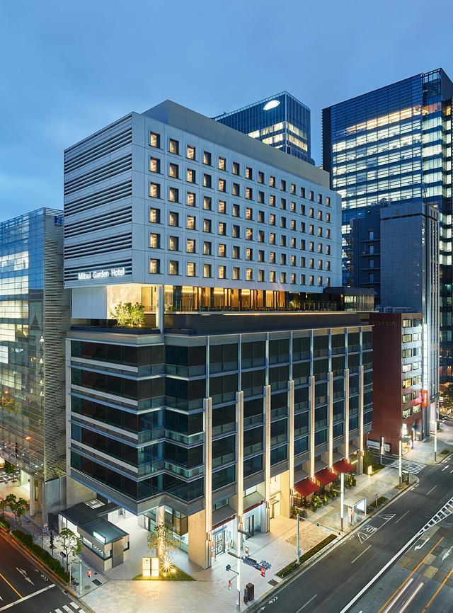 画像: 日本橋の中心地に開業した「三井ガーデンホテル 日本橋プレミア」全景。9階がロビー、最上階15階までをホテルが占める ほかの写真をみる